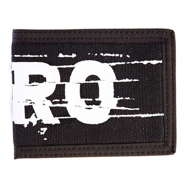 Кошелек Zero Cutter Bi-FoldСтильный кошелек с крупным принтом в виде логотипа бренда с множеством удобных отделений для денег и карт.Технические характеристики: Слоты для карт.Отделения для денег.Слот с прозрачным окошком.Логотип.<br><br>Цвет: черный<br>Тип: Кошелек<br>Возраст: Взрослый<br>Пол: Мужской