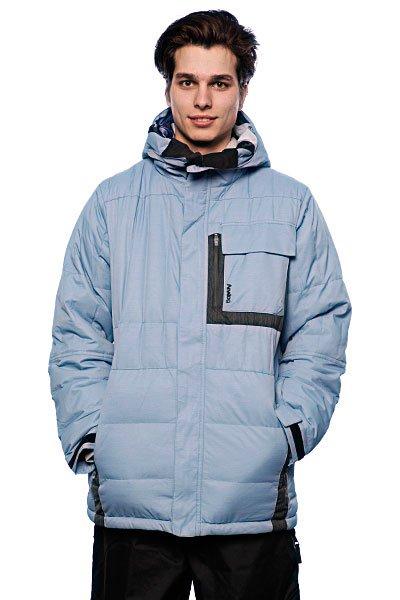 Куртка Analog Amsterdam Down Jacket Mineral BlueТехнические характеристики:   материал: двухслойный ламинированный нейлон  на подкладке фото-принт от Джеффа Кёртиса (Jeff Curtes)   мембрана: 15000 мм/ 10000 г  утеплитель: 600г пух  карманы для рук и нагрудный карман  водонепроницаемые молнии  снегозащитная юбка   вентиляция на молнии под мышками  внутренний карман для маски  фасон: стандартный (standard fit)<br><br>Цвет: голубой<br>Тип: Куртка утепленная<br>Возраст: Взрослый<br>Пол: Мужской