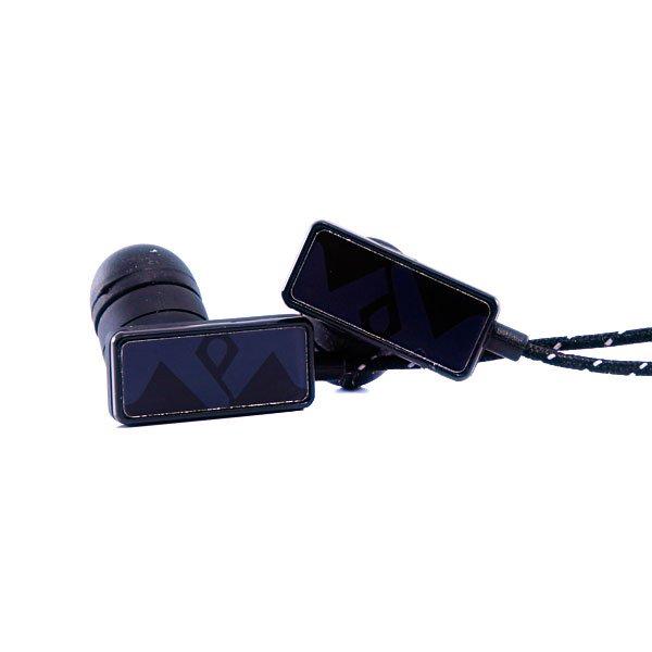 Наушники Frends The Clip True BlackРазмер динамика: 9 ммДиапазон: 20Гц - 20 кГцЧувствительность: 106 дБСопротивление: 16 ОмШтекер: 3,5 ммКабель: 1,3 метраЕсть микрофонДанные наушники полностью совместимы только с устройствами Apple и BlackBerry.<br><br>Тип: Внутриканальные наушники<br>Возраст: Взрослый<br>Пол: Мужской