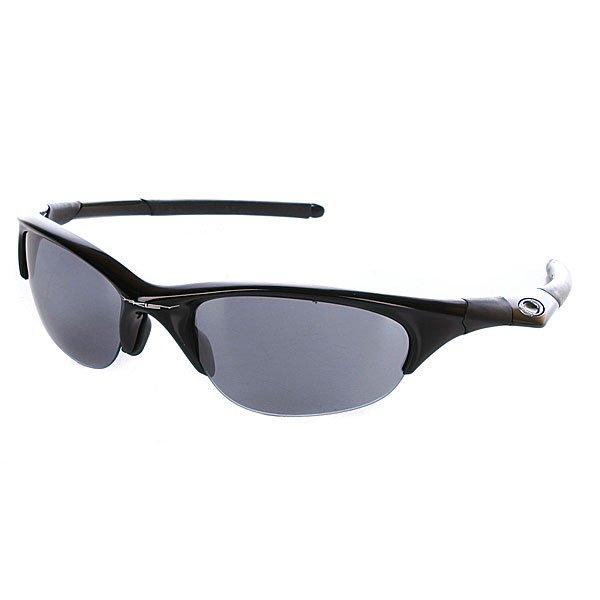 Очки Oakley Half Jacket Jet Black W/Black IridiumДлина оправы:13,5 смДлина душки:13 смВысота оправы:4 смИсполнение, защита и комфорт соединились в новом измерении стиля, с системой замены линз, что позволяет вам чувствовать себя комфортно в любых условиях. Очки с агрессивным формой оправы из облегченного материала типа O-MatterTM (разработано для комфорта на весь день, износоустойчивые в экстремальных условиях). Технические характеристики: Линза:Для очень яркого света. Для любой солнечной погоды.  Улучшенное восприятие цветов благодаря иридиевому покрытию. Индекс защиты - 3 (интенсивность поглощения света от 82 до 92%).  Пропускание видимого света 9% Четкость изображения и качество по стандарту ANSI Z87.1 100% защита от ультрафиолета (излучений А, B и C, а также вредного синего свет до 400 нм) Оттенок линзы - коричневый. Поддерживает контракт и не позволяет изменять цвета Оправа:  Прочный износоустойчивый материал O-Matter Комфорт и безопасность посадки с тремя точками касания (Three-Point fit), которая позволяет сохранять оптическую корректность линз. Регулируемая переносица.  Прямые душки.Технология плотного прилегания к переносице Unobtanuim. Система быстрой замены линз.<br><br>Тип: Очки<br>Возраст: Взрослый<br>Пол: Мужской