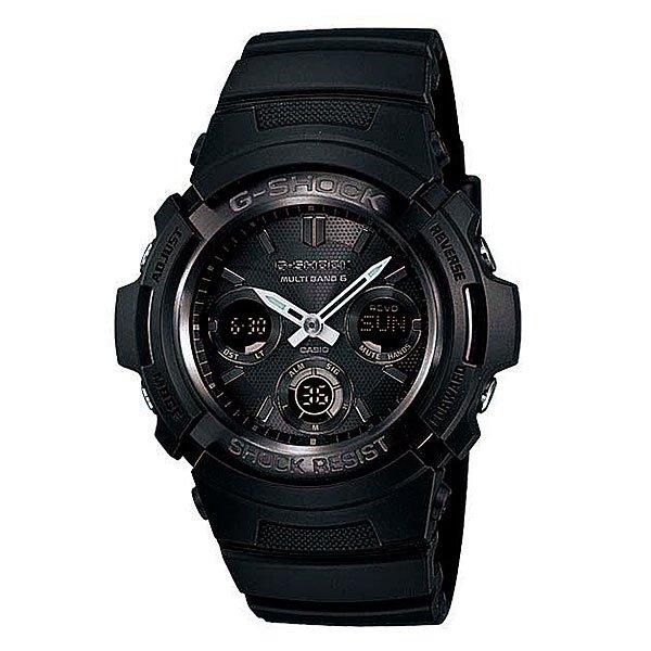 Часы Casio G-Shock AWG-M100B-1AЧтобы осветить дисплей часов даже в темноте, используется светодиод, срабатывающий после нажатия кнопки.Благодаря противоударной защите часы могут выдержать достаточно сильный удар или сотрясение без негативных последствий.Автономная экологически чистая солнечная панель обеспечивает часы энергией. Неиспользуемая энергия запасается в аккумуляторной батарейке часов.Как в Европе, Северной Америке и Японии, так и в отдаленных районах Канады, Центральной Америки и Китая часы принимают специальный радиосигнал и всегда и всюду показывают точное время. Все что вам нужно сделать – выставить на часах местное поясное время. Также во многих странах благодаря радиосигналу часы сами переходят на летнее время и обратно.С помощью функции мирового времени часы отображают время в 29 часовых поясах.Измеряет промежуток времени и время окончания с точностью до тысячных секунд. Сопровождается сигналами запуска/ остановки работы секундомера. Измеряемая способность до 100 часовНажатие на кнопку обеспечит перемещение стрелок в такое положение, которое позволит легко считать информацию с маленьких цифровых дисплеев – например, дату или показатели секундомера.Ежедневный сигнал напомнит вам о текущих делах с помощью установленного на определенное время звукового сигнала. Также по истечении каждого часа часы могут издавать сигнал, который вы можете отключить. Эта модель имеет пять независимых сигналов, что особенно удобно для напоминания о регулярных делах или встречах.Звук кнопок может быть выключен или включен благодаря использованию установочного модуля. Это означает, что часы больше не будут пищать во время перехода от одной функции к другой. При этом будильник и таймер обратного отсчета будут сигнализировать вне зависимости включен ли звук кнопок или нет.Индикатор заряда аккумулятора.Различная длина месяцев (28, 30 или 31 день) корректируется автоматически.Прочное и устойчивое к царапинам минеральное стекло защищает часы от любых повреждений, которые могут ис