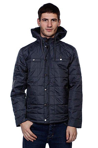 Куртка зимняя Matix Trajectorey CharcoalЭлегантная модель мужской куртки с выполненными горизонтально-вертикальными прошивками строчек, что придает куртке особую структуру и оригинальность. Модель имеет два передних нагрудных кармана, клепки, которые также продолжаются по всей длине застежки (молнии). Для рук предусмотрено два боковых кармана.     Эта модель является стеганой курткой для мужчин, дополненной с капюшоном, в котором протянут шнурок для возможности регулировки объема окружность. Воротник выполнен в стиле стойки, защищающей от ветра и попадания осадков.<br><br>Цвет: синий<br>Тип: Куртка<br>Возраст: Взрослый<br>Пол: Мужской