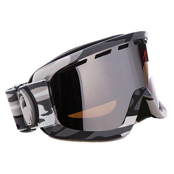 Маска Dragon D2 Snow Camo w/Jet Ionized + Amber LenseD2 - это маска с формой оправы как у Rogue, и с величиной обзора как у DX.Необходимый функционал и качество за доступную цену. Технические характеристики:Двойные линзыДвухслойная пенаКомфортный уплотнитель из микрофлисаСменный стрэп100% защита от ультрафиолетаSuper Anti-FogЭластичная полиуретановая оправа Совместима со шлемом Чехол для хранения и протирки в комплектеДанная модель комплектуется двумя линзами: Jet Ionized и Amber.<br><br>Цвет: камуфляжный<br>Тип: Маска для сноуборда<br>Возраст: Взрослый<br>Пол: Мужской