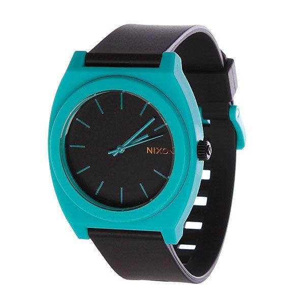Часы Nixon The Time Teller P Black/TealМаксимально плоские, кислотно яркие и невероятно простые, эти часы созданы для того, чтобы сообщать вам точное время. Японский кварцевый механизм, поликарбонатный корпус с прочным минеральным стеклом, полиуретановый ремешок, поликарбонатная застежка, и водонепроницаемость 100 метров, делают данные часы прекрасным выбором для людей, которые проводят свой отдых на воде.Японский механизм Miyota.Усиленное минеральное стеклоWR (водонепроницаемость) 100 метровФирменный ремешок с двойной фиксацией замка «Looking Lopper» (Мертвая петля), данный ремешок фиксируется не только замком из нержавеющей стали, но и сам ремешок имеет дополнительный фиксатор на кольце ремешка.<br><br>Тип: Кварцевые часы<br>Возраст: Взрослый<br>Пол: Мужской