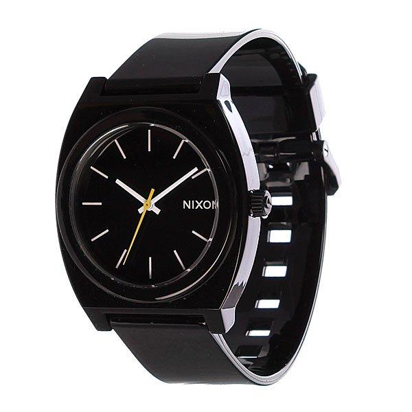 Часы Nixon The Time Teller P BlackМаксимально плоские, кислотно яркие и невероятно простые, эти часы созданы для того, чтобы сообщать вам точное время. Японский кварцевый механизм, поликарбонатный корпус с прочным минеральным стеклом, полиуретановый ремешок, поликарбонатная застежка, и водонепроницаемость 100 метров, делают данные часы прекрасным выбором для людей, которые проводят свой отдых на воде.Японский механизм Miyota.Усиленное минеральное стеклоWR (водонепроницаемость) 100 метровФирменный ремешок с двойной фиксацией замка «Looking Lopper» (Мертвая петля), данный ремешок фиксируется не только замком из нержавеющей стали, но и сам ремешок имеет дополнительный фиксатор на кольце ремешка.<br><br>Тип: Кварцевые часы<br>Возраст: Взрослый<br>Пол: Мужской
