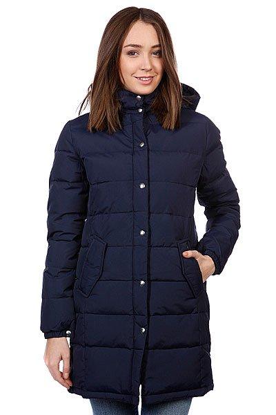 Куртка пуховик женская Penfield Wmns Millis Jacket NavyТехнические характеристики: Верх из 100% нейлона. Внутренняя подкладка из тафты.Утеплитель - синтепон (зима/осень).  Застежка – молния+кнопки по всей длине.  Воротник-стойка.  Съемный капюшон.  Потайная утяжка пояса.  Два боковых прорезных кармана для рук.  Фасон: стандартный удлиненный (regular long fit).<br><br>Цвет: синий<br>Тип: Пуховик<br>Возраст: Взрослый<br>Пол: Женский