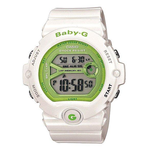 Часы женские Casio Baby-G Bg-6903-7EПол: женские   Механизм: кварцевые   Материал корпуса: пластик   Стекло: минеральное   Тип браслета/ремня: пластиковый ремень   Водозащита: 200м   Мультифункциональные часы: да   Будильник: есть   Подсветка (кварц.): есть   Жидкокристаллический дисплей (кварц.): есть  Особенности:    Электролюминесцентная подсветка     Благодаря электролюминесцентной панели, обеспечивающей освещение всего циферблата, облегчается считывание данных. Характеризуется наличием функции задержки отключения, благодаря которой электролюминесцентная подсветка горит еще несколько секунд после отпускания кнопки освещения.   Двойное время (Dual Time)     Одновременное отображение текущего времени в двух разных часовых поясах.   Секундомер     Точное измерение истекшего времени касанием кнопки. Секундомер позволяет регистрировать отдельные отрезки времени, время с промежуточным результатом и время двойного финиша. Точность измерения 1/100 сек, запас измерения 100 часов.      Память на 60 записей с сохранением общего времени, промежуточного результата и даты.   Таймер обратного отсчета с функцией автоповтора     Производит обратный отсчет, начиная с заданного вами времени. При окончании отсчета (0 минут, 0 секунд) издается 10-секундный сигнал. После чего таймер автоматически возвращается к установленному времени и снова начинает обратный отсчет. Данная функция особенно полезна для тех, кому нужно регулярно принимать лекарства. Максимальное время установки 24 часа - шаг измерения 1/1 сек, минимальное время установки 1 минута.   Будильник - мультисигнал      Функция мультисигнала позволяет устанавливать 4 разных типа сигнала: 1. Ежедневный. 2. Ежемесячный. 3. Сигнал в определенное время каждый день определенного месяца. 4. Сигнал в определенное время в определенный день (на дату).     В данной модели - 3 независимых будильника.   Функция повтора сигнала будильника (SNOOZE)     Через несколько минут после остановки сигнала он повторяется.   Включение/выключение зву