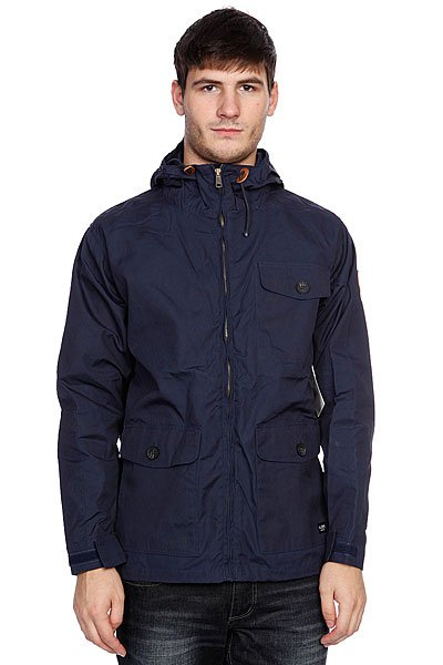 Куртка Globe Berwick Jacket NavyТехнические характеристики: Верх из комбинации полиэстера и хлопка.  Без дополнительного утепления (осень/весна). Застежка – молния. Два боковых накладных кармана для рук. Фиксированный капюшон с утяжкой.Потайная утяжка пояса. Фасон: стандартный (regular fit).<br><br>Цвет: синий<br>Тип: Куртка<br>Возраст: Взрослый<br>Пол: Мужской
