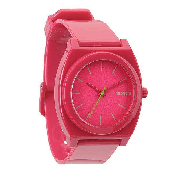Часы Nixon Time Teller P RubineМаксимально плоские, кислотно яркие и невероятно простые, эти часы созданы для того, чтобы сообщать вам точное время. Японский кварцевый механизм, поликарбонатный корпус с прочным минеральным стеклом, полиуретановый ремешок, поликарбонатная застежка, и водонепроницаемость 100 метров, делают данные часы прекрасным выбором для людей, которые проводят свой отдых на воде.Корпус:Тип: цельный корпус с привинчиваемой крышкой и заводной головкойДиаметр: (40 мм)Материал: полимерныйБезель: фиксированный из поликарбонатаУсиленное минеральное стекло;Водонепроницаемость: 100 мМеханизм:Механизм кварцевый Miyota (Япония)Точность: 1/20 секундыФункции: часы, минуты, секунды.Браслет:Ремешок: Фирменный полимерный ремешок с двойной фиксацией замка «Looking Lopper» (Мертвая петля), данный ремешок фиксируется не только замком из нержавеющей стали, но и сам ремешок имеет дополнительный фиксатор на кольце ремешка.<br><br>Тип: Кварцевые часы<br>Возраст: Взрослый<br>Пол: Мужской