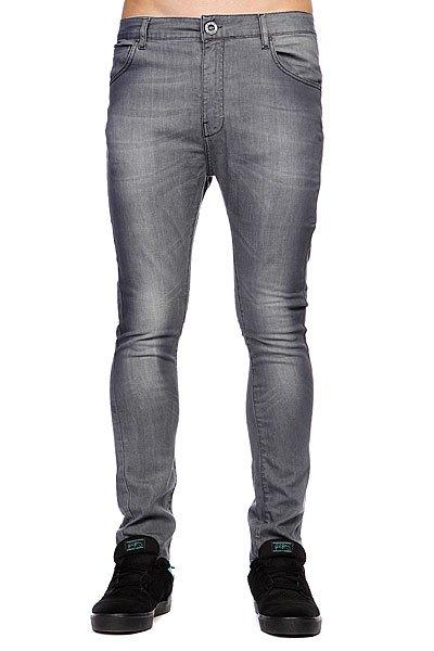 Джинсы Volcom Billy Jean AshСтильные мужские джинсы Volcom Billy Jean - джинсы высочайшего качества на каждый день, которые прекрасно сидят.Характеристики:5 карманов. Узкий крой.<br><br>Цвет: серый<br>Тип: Джинсы узкие<br>Возраст: Взрослый<br>Пол: Мужской
