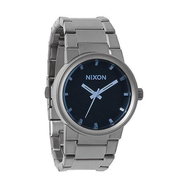Часы Nixon Cannon Gunmetal/Blue CrystalАбсолютно круглый циферблат. Классический стиль. Сражает наповал простотой и отточенностью стиля как настоящая пушка!&amp;nbsp;Корпус:&amp;nbsp;Тип:&amp;nbsp;цельный корпус с привинчиваемой крышкой и заводной головкойДиаметр: 39,5 ммМатериал: нержавеющая стальЗакаленное минеральное стеклоВодонепроницаемость: 100мМеханизм:&amp;nbsp;кварцевый Miyota (Япония) хронограф&amp;nbsp;Браслет: массивные звенья из нержавеющей стали, замок с двойной застежкой.<br><br>Тип: Кварцевые часы<br>Возраст: Взрослый<br>Пол: Мужской