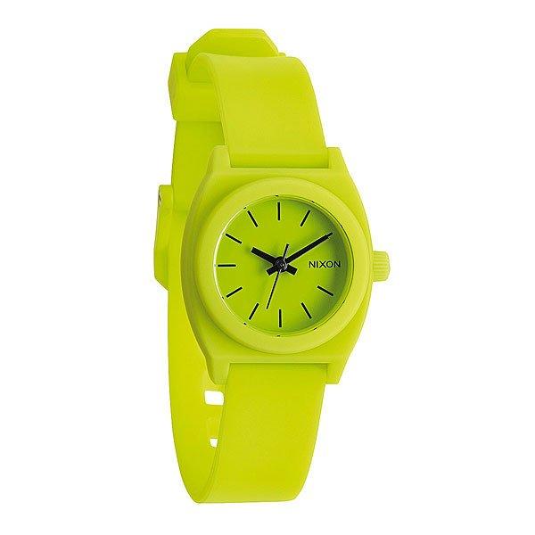 Часы женские Nixon Small Time Teller P LimeМладший брат популярных часов, созданный специально для изящных женский запястий. Максимально плоские, яркие и невероятно простые. Японский кварцевый механизм, поликарбонатный корпус с закалённым минеральным стеклом, полиуретановый ремешок.Корпус:Поликарбонатный корпусЗакалённое минеральное стеклоДиаметр: 26 мм.Водонепроницаемость: 100 м. (10 атмосфер)Тройное уплотнение заводной головкиФирменный полимерный ремешок с двойной фиксацией замка «Looking Lopper» (Мертвая петля)Механизм:Кварцевый механизм Miyota (Japan)Функции: часы, минуты, секундыТочность хода 1/20 секунды<br><br>Цвет: зеленый<br>Тип: Кварцевые часы<br>Возраст: Взрослый<br>Пол: Женский
