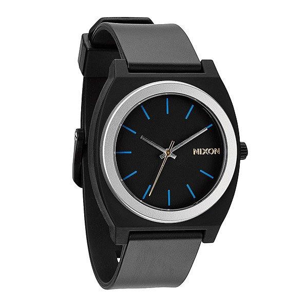 Часы Nixon Time Teller P Midnight GtМаксимально плоские, кислотно яркие и невероятно простые, эти часы созданы для того, чтобы сообщать вам точное время. Японский кварцевый механизм, поликарбонатный корпус с прочным минеральным стеклом, полиуретановый ремешок, поликарбонатная застежка, и водонепроницаемость 100 метров, делают данные часы прекрасным выбором для людей, которые проводят свой отдых на воде.Корпус:Тип: цельный корпус с привинчиваемой крышкой и заводной головкойДиаметр: (40 мм)&amp;nbsp;Материал: полимерныйБезель: фиксированный из поликарбонатаУсиленное минеральное стекло;Водонепроницаемость: 100 м&amp;nbsp;Механизм:&amp;nbsp;Механизм кварцевый Miyota (Япония)Точность: 1/20 секундыФункции: часы, минуты, секунды.&amp;nbsp;Браслет:&amp;nbsp;Ремешок: Фирменный полимерный ремешок с двойной фиксацией замка «Loking Loopper» (Мертвая петля), данный ремешок фиксируется не только замком из нержавеющей стали, но и сам ремешок имеет дополнительный фиксатор на кольце ремешка.<br><br>Цвет: синий<br>Тип: Кварцевые часы<br>Возраст: Взрослый<br>Пол: Мужской