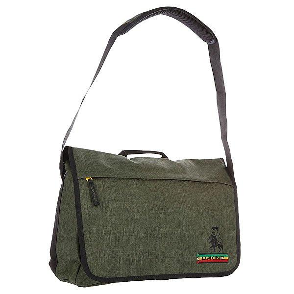 Сумка Dakine Hudson 20l KingstonТехнические характеристики: Верх из 100% полиэстера. Внутренняя подкладка из тафты. Застежка – молния. Дополнительная защитная панель с застежкой на липучке. Фиксированная регулируемая широкая ручка с накладкой против скольжения для ношения сумки через плечо.  Форм-фактор – сумка-портфель (Messenger Bag).<br><br>Цвет: зеленый<br>Тип: Сумка через плечо<br>Возраст: Взрослый<br>Пол: Мужской