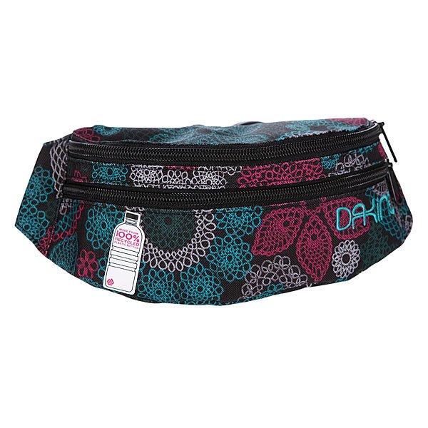 Сумка поясная женская Dakine Womens Classic Hip Pack CrochetНовая поясная сумкаDakine Classic Hip позволит вам всегда держать ценные вещи при себе для безопасности в путешествиях. Часто нам не хватает карманов, что бы сложить все необходимое и такая поясная сумка станет прекрасным решением проблемы. Она выполнена из прочного, водонепроницаемого полиэстера, что дает вашим вещам дополнительную защиту. Отправляясь в путешествие лучше иметь поясную сумку.Характеристики:Влагонепроницаемая ткань.  Основное отделение на молнии. Верхний карман на молнии. Широкая регулируемая поясная лямка. Форм-фактор – поясная сумка (hip bag).<br><br>Цвет: черный,голубой<br>Тип: Сумка поясная<br>Возраст: Взрослый<br>Пол: Женский
