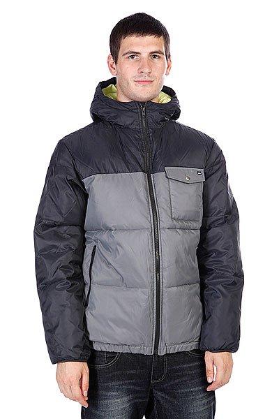 Куртка зимняя Quiksilver Baran Dark CharcoalТехнические характеристики: Верх из  100% полиэстера. Внутренняя подкладка из тафты. Утеплитель – синтепон.  Застежка – молния по всей длине. Фиксированный капюшон с утяжкой. Два боковых прорезных кармана для рук.  Декоративная строчка.  Фасон: стандартный (regular fit).<br><br>Цвет: синий,серый<br>Тип: Куртка зимняя<br>Возраст: Взрослый<br>Пол: Мужской