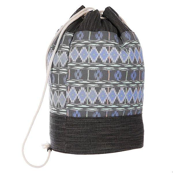 Мешок женский Dakine Sadie  MeridianВместительная сумка-рюкзак из натурального хлопка с утяжкой горловины и тонкими заплечными лямками – отличное решение для городских модниц.  Характеристики:  Вместительное внутреннее отделение с утяжкой горловины.Внутренний потайной карман на молнии. Тонкие плечевые лямки.<br><br>Цвет: серый,синий<br>Тип: Мешок<br>Возраст: Взрослый<br>Пол: Женский