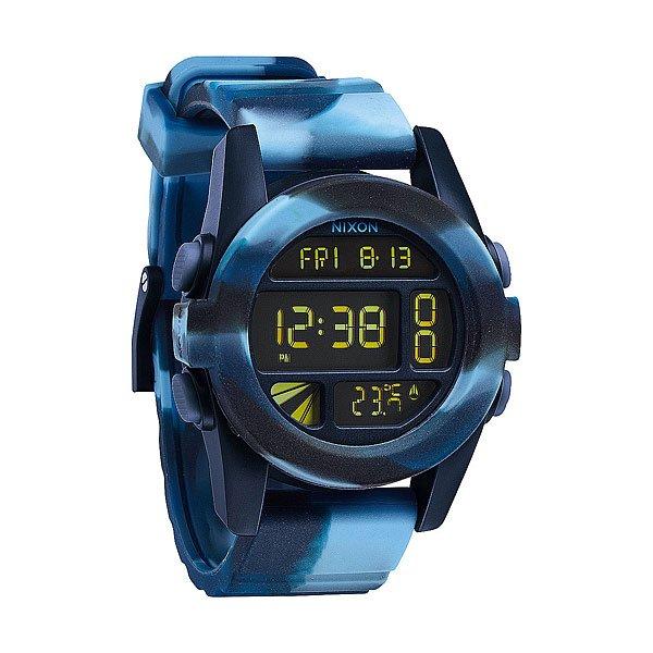 Часы Nixon Unit Marbled BlueТяжелая артиллерия. Unit 40 уменьшились в размерах, но увеличили свой функционал. В эту маленькую копию модели Unit был добавлен термометр и подсветка, а хороший дизайн остался.Механизм:&amp;nbsp;Электронный хронометр,&amp;nbsp;Функции: часы, календарь, 2 времени, будильник, таймер обратного отсчета, волновой счетчик, подсветка, режим негатива, термометрКорпус:&amp;nbsp;Диаметр: 40 мм,&amp;nbsp;Материал: поликарбонат,&amp;nbsp;Водонепроницаемость с характеристикой 100 м (10 атмосфер),&amp;nbsp;Прочное минеральное стеклоРемешок:&amp;nbsp;Полиуретановый ремешок 22 мм с пряжкой из нержавеющей стали,&amp;nbsp;Застежка из полиуретанового запатентованного замка Looper.<br><br>Тип: Электронные часы<br>Возраст: Взрослый<br>Пол: Мужской