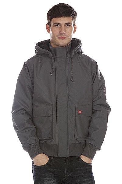 Куртка зимняя Dickies Keane 66 Jacket CharcoalТеплая куртка-бомбер Dickies Keane 66 отличной подойдет для тех, кому важен внешний вид, не менее, чем функциональность.Характеристики:Внутренняя подкладка из стеганой тафты.  Утеплитель – полиэстер.Мембрана: влагопроницаемость/испарение – 7,000 mm/5,000 g. Застежка – молния+кнопки. Съемный капюшон с регулировкой. Два накладных кармана для рук. Эластичные манжеты на рукавах и подоле.Внутренний потайной карман.<br><br>Цвет: серый<br>Тип: Куртка<br>Возраст: Взрослый<br>Пол: Мужской