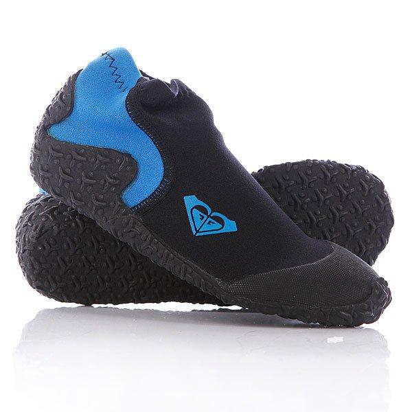 Гидроботинки детские Roxy 1mm Reef Walkers BlackПрочные и гибкие гидроботинки для серфинга на мягкой текстурированной подошве от Roxy.Технические характеристики: Толщина 1 мм.Мягкие, гибкие и устойчивые плоские швы.Эластичный материал Freemax.Круглый уплотненный носок.Мягкая текстурированная подошва с отличным сцеплением.Возможно использование в воде температурой 15°C.Логотип Roxy.<br><br>Цвет: черный,синий<br>Тип: Гидроботинки<br>Возраст: Детский