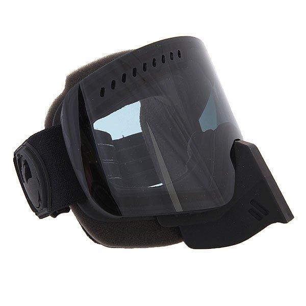 Маска для сноуборда Dragon Snowmo Knight Rider /Injected Dark Smoke + YellowТехнические характеристики:  Цилиндрическая  форма линз.  Двойная конструкция линзы из лексана.  Технология антибликового защитного покрытия линз (на 100% защищает от ультрафиолетового излучения (блокирует вредное UVA, UVB, UVC излучение, а также ультрафиолетовое излучение до 400 NM).  Технология антизапотевания линзы Super Anti-Fog.  Вентиляционные отверстия сверху маски.  Гибкая оправа из полиуретана.  Внутреннее покрытие из защитной двойной формирующей пены для лучшего прилегания маски к лицу и потоотведения.  В месте соприкосновения с лицом дополнительный слой нежного поглощающего влагу флиса. Линзы с устойчивым к царапинам покрытием. Регулируемый съемный ремешок с накладкой против скольжения.  Совместимость со всеми видами шлемов.  Оптимизирована для средней формы лица.  Светопередача –5-18% (устраняет самый яркий солнечный свет).Дополнительная сменная линза в комплекте (Светопередача – 79%, подходит для вечернего катания и катания в условиях плохой видимости.)<br><br>Цвет: черный<br>Тип: Маска для сноуборда<br>Возраст: Взрослый<br>Пол: Мужской