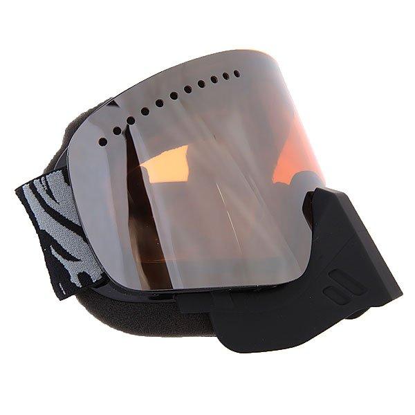 Маска для сноуборда Dragon NFX Snowmo Chronic/IonizedТехнические характеристики:  Цилиндрическая  форма линз.  Infinity Lens Technology  обеспечивает максимальный обзор. Технология антибликового защитного покрытия линз (на 100% защищает от ультрафиолетового излучения (блокирует вредное UVA, UVB, UVC излучение, а также ультрафиолетовое излучение до 400 NM).  Технология антизапотевания линзы Super Anti-Fog.  Оптически корректные линзы. Гибкая оправа из полиуретана.  Внутреннее покрытие из защитной тройной формирующей пены для лучшего прилегания маски к лицу и потоотведения.  В месте соприкосновения с лицом дополнительный слой нежного поглощающего влагу флиса Polartec. Линзы с устойчивым к царапинам покрытием. Регулируемый ремешок с накладкой против скольжения.  Совместимость со всеми видами шлемов.  Оптимизирована для средней и большой формы лица.  Светопередача –33-35 % (Лучше всего подходит для яркого солнца, добавляет четкости и защищает от яркого света).<br><br>Цвет: серый,черный<br>Тип: Маска для сноуборда<br>Возраст: Взрослый<br>Пол: Мужской