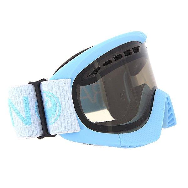 Маска для сноуборда Dragon DXS Frost/Smoke + YellowТехнические характеристики:  Цилиндрическая  форма линз.  Двойная конструкция линзы из лексана.  Технология антибликового защитного покрытия линз (на 100% защищает от ультрафиолетового излучения (блокирует вредное UVA, UVB, UVC излучение, а также ультрафиолетовое излучение до 400 NM).  Технология антизапотевания линзы Super Anti-Fog.  Вентиляционные отверстия сверху маски.  Гибкая оправа из полиуретана.  Внутреннее покрытие из защитной двойной формирующей пены для лучшего прилегания маски к лицу и потоотведения.  В месте соприкосновения с лицом дополнительный слой нежного поглощающего влагу флиса  Polartec. Линзы с устойчивым к царапинам покрытием. Регулируемый ремешок с накладкой против скольжения.  Совместимость со всеми видами шлемов.  Оптимизирована для средней и маленькой формы лица.  Светопередача –25.9-28.6% (подходит для яркого солнца, добавляет четкости и убирает блики).  Дополнительная сменная линза в комплекте (Светопередача – 79%, подходит для вечернего катания и катания в условиях плохой видимости.)<br><br>Цвет: голубой<br>Тип: Маска для сноуборда<br>Возраст: Взрослый<br>Пол: Мужской