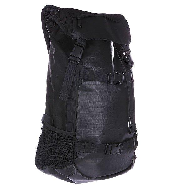 Рюкзак спортивный Nixon Landlock Backpack BlackНет ни одной ситуации, в которой это рюкзак бы не стал вашим надежным помощником.Характеристики:  Внутренняя подкладка из тафты.  Вместительное отделение с утяжкой горловины и клапаном на карабинах.  Смягченная сетчатая задняя панель. Небольшая ручка сверху рюкзака для ношения в руке. Дно из полиуретана. Широкие мягкие регулируемые лямки для удобства ношения.  Два боковых сетчатых кармана.  Два широкие лицевые регулируемые лямки для крепления скейтборда.<br><br>Цвет: черный<br>Тип: Рюкзак спортивный<br>Возраст: Взрослый<br>Пол: Мужской