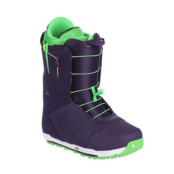 Ботинки для сноуборда Burton Ion Pop Art Purple/GreenЖёсткий ботинок для настоящих профессионалов. Будь это хелибординг в чили или супертехничный фристайл в ледяном пайпе или просто ледяная чёрная трасса замену ботинку ION трудно придумать. Выпускаясь не первый год ботинок стойко занял свою нишу.Характеристики:  Технология уменьшенного следа Shrinkage™(след от ботинка на размер меньше, чем размер самого ботинка).  Система шнуровки Speed Zone (мягкие толстые резинки с фиксатором на манжете). Внутренник - Imprint 4 с технологией Dryride, Infinifit и Rad Pad. Оптимизированная стелька EST®(более тонкая, с уменьшенным углом подъема).  Антимикробное внутреннее покрытие Aegis™.3D формирующий язычок. Ультралегкая капсолевая резиновая подошва. Жесткость – 4 из 10.<br><br>Цвет: фиолетовый<br>Тип: Ботинки для сноуборда<br>Возраст: Взрослый<br>Пол: Мужской