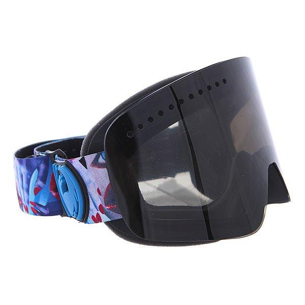 Маска для сноуборда Dragon Nfx Schophdap/Dksmoke + YellBlue OneТехнические характеристики:  Цилиндрическая  форма линз.  Infinity Lens Technology  обеспечивает максимальный обзор. Технология антибликового защитного покрытия линз (на 100% защищает от ультрафиолетового излучения (блокирует вредное UVA, UVB, UVC излучение, а также ультрафиолетовое излучение до 400 NM).  Технология антизапотевания линзы Super Anti-Fog.  Оптически корректные линзы. Гибкая оправа из полиуретана.  Внутреннее покрытие из защитной тройной формирующей пены для лучшего прилегания маски к лицу и потоотведения.  В месте соприкосновения с лицом дополнительный слой нежного поглощающего влагу флиса Polartec. Линзы с устойчивым к царапинам покрытием. Регулируемый ремешок с накладкой против скольжения.  Совместимость со всеми видами шлемов.  Оптимизирована для средней и большой формы лица. Светопередача –5-10% (устраняет самый яркий солнечный свет). Дополнительная сменная линза в комплекте (Светопередача – 48-57%, подходит для меняющихся условий освещения от слабого освещения до облачной погоды, добавляет четкости и защищает от яркого света.)<br><br>Цвет: черный<br>Тип: Маска для сноуборда<br>Возраст: Взрослый<br>Пол: Мужской