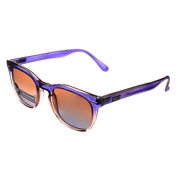 Очки женские Roxy Emi J Blue/BrownПотрясающие солнцезащитные очки из коллекции Roxy с отличной защитой глаз от яркого солнечного света.Технические характеристики: 100% защита от ультрафиолетовых лучей.Прочные линзы из поликарбоната.Линзы 3 категории защиты для очень солнечной погоды.Изготовлены в Италии.<br><br>Цвет: голубой,коричневый<br>Тип: Очки<br>Возраст: Взрослый<br>Пол: Женский