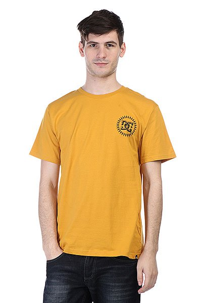 Футболка DC Tomahawks Ss Nicotine<br><br>Цвет: желтый<br>Тип: Футболка<br>Возраст: Взрослый<br>Пол: Мужской