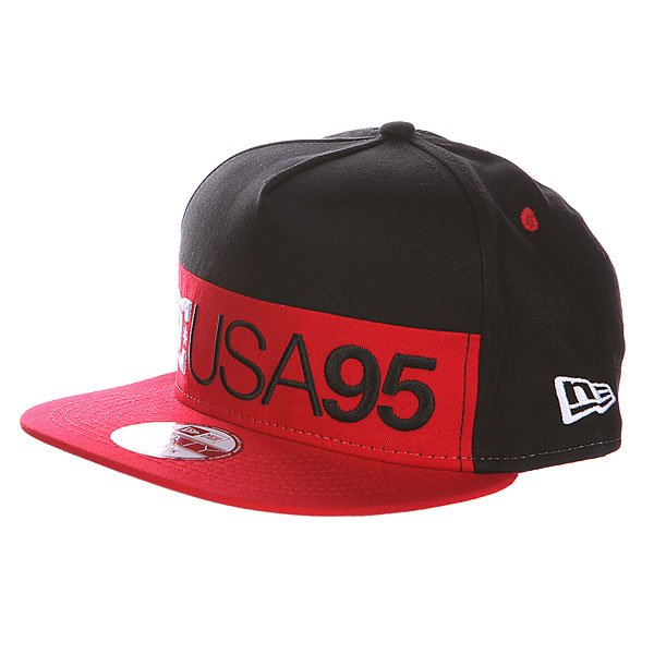 Бейсболка DC Division Hat Black/Red