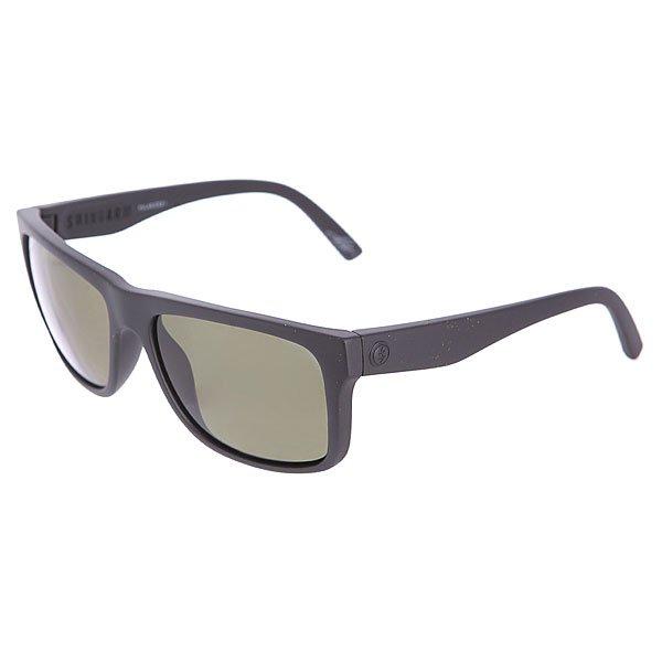 Очки Electric Swingarm Matte Black/M1gry PolarSwingarm - лёгкие и невероятно прочные очки с уникальной системой шарниров внутри дужек. Бескомпромиссные комфорт и функциональность!Характеристики:Оправа из гриламида (высокопрочного пластика). Поликарбонатные линзы с меланиновым покрытием / поляризованные линзы. 100% защита от ультрафиолета. 98% защита от вредного синего излучения. Кривизна линз: база 6 (довольно плоские). Широкие дужки. Петли внутри дужек. Фирменный логотип бренда на дужке.Дизайн разработан в Калифорнии. Сделаны в Италии.<br><br>Цвет: черный<br>Тип: Очки<br>Возраст: Взрослый<br>Пол: Мужской