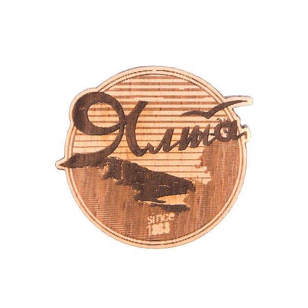 Значок Запорожец Х Waf-Waf ЯлтаДеревянный значок с изображением города Ялта выполненный с помощью гравировки от российского бренда Запорожец.Технические характеристики: Материал - дерево.Гравировка.Застежка - булавка.<br><br>Цвет: коричневый<br>Тип: Значок