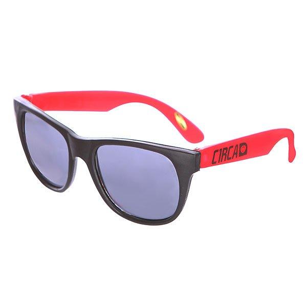 Очки Circa Plasty Black/Red ПодарокЯркие очки из пластика с защитой от ультрафиолета.Технические характеристики: Материал оправы и линз - пластик.Защита от ультрафиолетового излучения UV 400.Яркий двухцветный дизайн.<br><br>Цвет: черный,красный<br>Тип: Очки