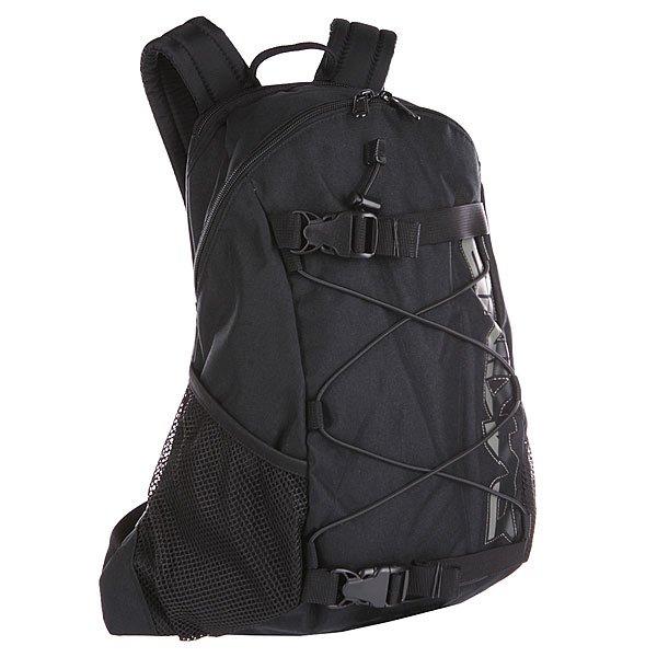 Рюкзак спортивный Dakine Wonder  BlackРюкзак Wonder, пожалуй, самый популярный и самый известный из рюкзаков Dakine. Его впечатляющая функциональность делает его идеальным для города и школы. Он является верным спутником в повседневной жизни и обеспечивает максимальный комфорт.  Характеристики:  Вместительное внутреннее отделение.Эластичный трос. Задняя стенка и наплечные ремни из дышащего материала DriMesh®.Карман  на флисовой подкладке. Поясной ремень. Крепление для доски.  Жесткая фиксация доски. Эргономичные смягченные плечевые лямки. Регулируемый поясной ремень.<br><br>Цвет: черный<br>Тип: Рюкзак спортивный<br>Возраст: Взрослый<br>Пол: Мужской