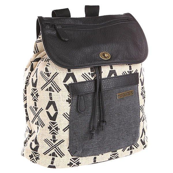 Рюкзак городской женский Dakine Sophia  BayoМодный женский рюкзак, который идеально подойдёт для прогулок по городу. Характеристики:  Вместительное отделение с утяжкой горловины.Защитная накладка с застежкой.Передний карман на молнии.  Внутренние карманы для мелочей. Эргономичные плечевые лямки.<br><br>Цвет: бежевый,черный<br>Тип: Рюкзак городской<br>Возраст: Взрослый<br>Пол: Женский