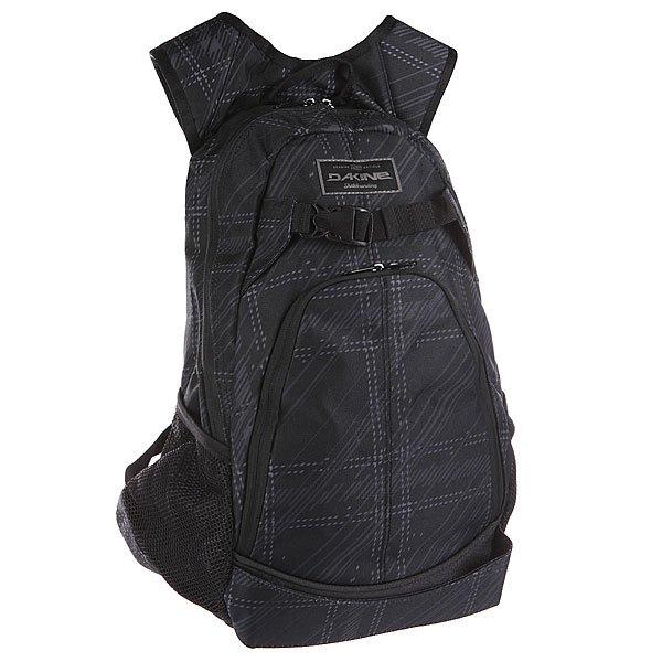 Рюкзак спортивный Dakine Pivot CascadiaОтличный скейтерский рюкзак на любой случай. Характеристики:Вместительное главное отделение. Карман-органайзер. Вместительный основной отдел. Карман на флисовой подкладке для солнцезащитных очков. Мягкие эргономичные лямки. Регулируемый грудной ремешок. Два боковых сетчатых кармана.<br><br>Цвет: черный<br>Тип: Рюкзак спортивный<br>Возраст: Взрослый<br>Пол: Мужской