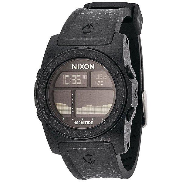 Часы Nixon Rhythm Never DryХарактеристики: Электронный механизм.  Запрограммированная информацияприливов и отливов дляболее чем 270пляжейдо2023 года. Функции: графические и числовые представления прилива прилива на срок до 48 часов, время суток (12 или 24 часа), день/дата, календарь с диапазоном от 2000 до 2099 годов, таймер обратного отсчёта, хронограф, подсветка.Корпус: поликарбонат,минеральное стекло.Браслет: ремешок из полиуретана cзапатентованнойтехнологией Looper и застежкой из нержавеющей стали.Водонепроницаемость 10 atm (100 м). Механизм: кварц.<br><br>Цвет: черный<br>Тип: Электронные часы<br>Возраст: Взрослый<br>Пол: Мужской