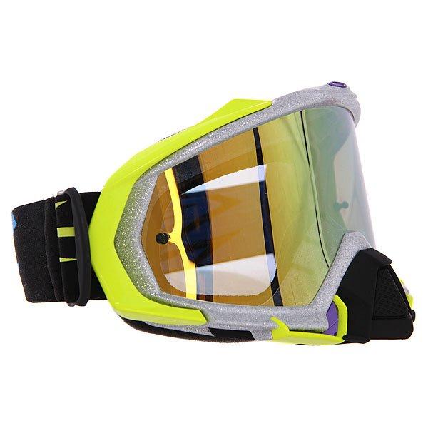 Маска для мотоспорта Oakley Mayhem Tld Zap Metallic Silver Iridium 24kОдна из лучших масок Oakley Mayhem с идеальной посадкой и ударопрочными линзами для дополнительной защиты.Технические характеристики: Ударопрочные линзы Plutonite®.100% защита от UVA / UVB излучения.Расширенный объем линзы для лучшего обзора.Защита от запотевания F3™ Anti-Fog.Антибликовое покрытие Iridium®.Линза соответствует стандарту ANSI z87.1 и EN 1938:2010.Гибкая оправа O Matter®.Тройной слой пены и слой микро флиса.Широкий регулирующийся ремень.Силиконовые нити против скольжения.Съемная защита для носа O-Matter®.Возможность установки отрывных линз.Чехол в комплекте.<br><br>Цвет: желтый,серый<br>Тип: Маски<br>Возраст: Взрослый<br>Пол: Мужской