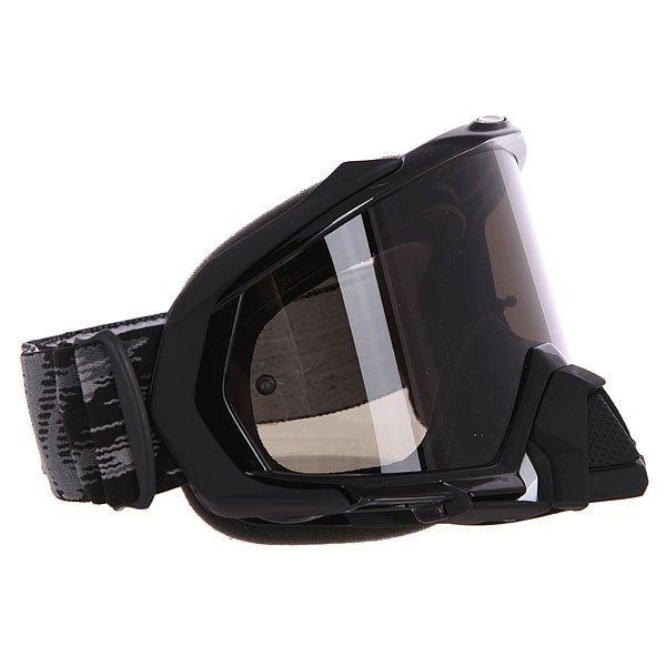 Маска для мотоспорта Oakley Mayhem Mx Sand Jet Black Dark GreyОдна из лучших масок Oakley Mayhem с идеальной посадкой и ударопрочными линзами для дополнительной защиты.Технические характеристики: Ударопрочные линзы Plutonite®.100% защита от UVA / UVB излучения.Расширенный объем линзы для лучшего обзора.Защита от запотевания F3™ Anti-Fog.Линза соответствует стандарту ANSI z87.1 и EN 1938:2010.Гибкая оправа O Matter®.Тройной слой пены и слой микро флиса.Широкий регулирующийся ремень.Силиконовые нити против скольжения.Съемная защита для носа O-Matter®.Возможность установки отрывных линз.Чехол в комплекте.<br><br>Цвет: черный<br>Тип: Маски<br>Возраст: Взрослый<br>Пол: Мужской