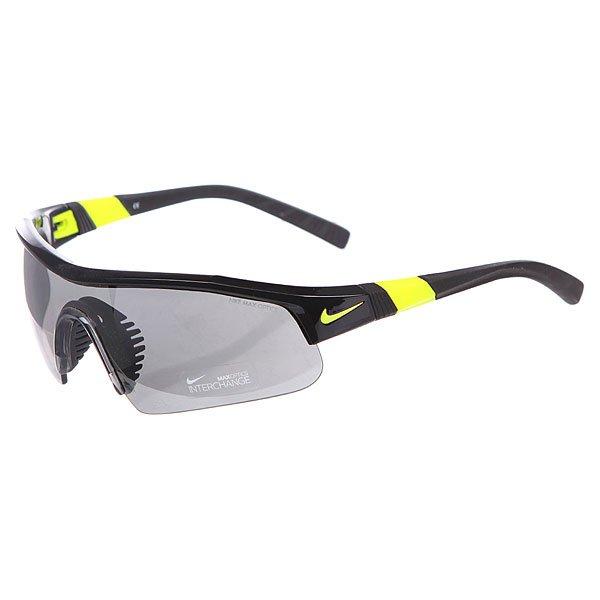 Очки Nike Optics Show X1 Pro Grey W/Silver Flash/Outdoor Lens Black/VoltОчки гарантируют Вам надежное сцепление, стабильность и комфорт. Идеально подходят для тренировок, гольфа, тенниса и велосипедных прогулок.Технические характеристики: Вентилируемая резиновая переносица улучшает комфорт и уменьшает запотевание.Объемные линзы для максимального охвата.100% защиты от УФ-лучей (UVA, UVB и UVC).Линзы Nike Max Optics для четкого изображения с любого ракурса.Легкий нейлоновый каркас для большего комфорта и долговечности.Петли Cam-action.Регулируемые окончания заушников, также обеспечивают устойчивость оправы.Сменные линзы и футляр в комплекте.<br><br>Цвет: черный,желтый<br>Тип: Очки<br>Возраст: Взрослый<br>Пол: Мужской