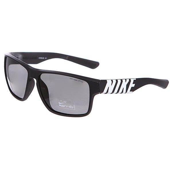 Очки Nike Optics Mojo Matte Black/White/Grey LensЛегкие очки в смелом дизайне, который актуален в любое время и в любом месте.Технические характеристики: Легкий нейлоновый каркас для комфорта и долговечности.Дизайн оправы с 6 опорами для спокойной, комфортной посадки.100% защиты от УФ-лучей.Мягкие носовые упоры и дужки.Технология Nike Max Optics - это передовое высокоточное оптическое решение для спортсменов. В сочетании с фотохромной технологией Transitions эти линзы способны адаптироваться к различным условиям спортивной деятельности и к изменениям освещения. Идеальные линзы для самых высоких спортивных результатов.Длина оправы 14 см.Длина дужки 14 см.Высота оправы 4,5 см.Логотип Nike.<br><br>Цвет: черный<br>Тип: Очки<br>Возраст: Взрослый<br>Пол: Мужской