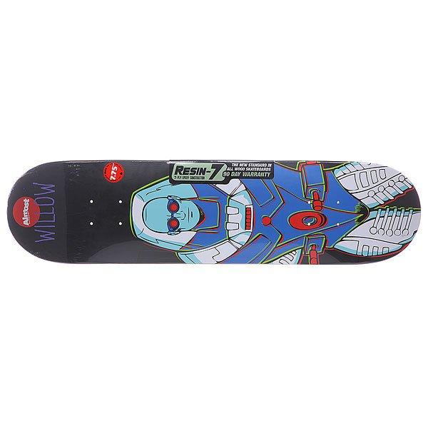 Дека для скейтборда для скейтборда Almost Willow Villain Mr.freeze V2 R7 Multicolor 31.1 x 7.75 (19.7 см)Ширина деки: 7.75 (19.7 см)    Длина деки: 31.1 (79 см)    Количество слоев: 7Прочная дека от Almost из серии DC Comics понравится любителям супергероев и тем, кто любит прохладу летним днем. Технические характеристики: Конструкция из семислойного клена.  Конкейв: mellow.  Размеры l: 7,5 x 31,1 ( 19 см. x 79 см.).  Колесная база: 13,88 (36,2 см.).<br><br>Цвет: мультиколор<br>Тип: Дека для скейтборда