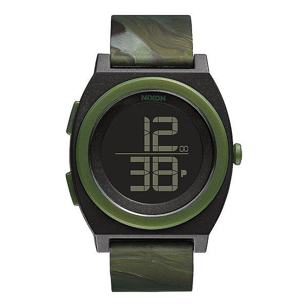 Часы Nixon Time Teller Digi Marbled CamoЛаконичный дизайн дисплея в сочетании сгладким силиконовым ремешком делает эти часы идеальными в своей простоте линий. Nixon Time Teller не перегружены лишней информацией и ненужными деталями. На дисплей выводится время в 12 или в24-часовом формате. Мягкий силиконовый ремешок добавит комфорта во время носки, а Вам останется только выбрать свой цвет!Характеристики:Цифровой модуль.Функции: часы, минуты, секунды, календарь (до 2099 года), 12/24-часовое отображение времени, хронограф. Дисплей: функция инвертирования ЖК-дисплея. Люминисцентная подсветка. Цельный корпус с привинчиваемой крышкой. Безель: фиксированный из поликарбоната. Материал корпуса: прочный поликарбонат. Тройное уплотнение кнопок. Крышка из нержавеющей стали. Минеральное стекло.Водонепроницаемость: 100 метров / 10 ATМ. Ультра-мягкий силиконовый браслет. Прочная пряжка из поликарбоната.<br><br>Цвет: зеленый,черный<br>Тип: Электронные часы<br>Возраст: Взрослый<br>Пол: Мужской