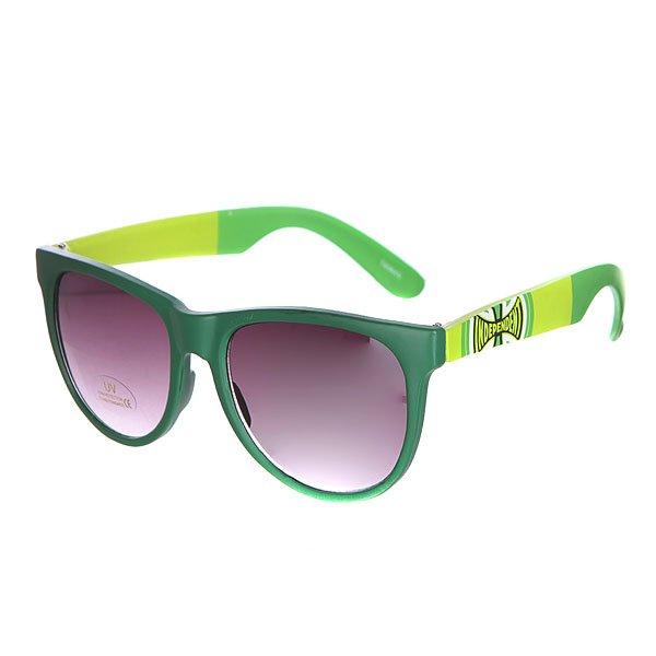 Очки Independent Dons Dark Green/Light GreenКвадратные очки в контрастной оправе.Технические характеристики: Материал оправы - поликарбонат.Прочные линзы из поликарбоната.100% защиты от УФ-лучей (UVA, UVB и UVC).Логотип на дужках.Чехол в комплекте.<br><br>Цвет: зеленый<br>Тип: Очки<br>Возраст: Взрослый<br>Пол: Мужской