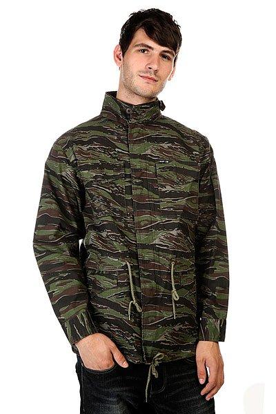Куртка Huf Burma M51 Jacket CamoТеплая мужская куртка в уличном стиле для прохладных осенних дней.Технические характеристики: Эксклюзивный камуфляжный принт.Яркая подкладка с принтом.Нагрудные карманы и карманы для рук на кнопке.Куртка без капюшона с воротником-стойкой.Пояс-шнурок на талии и регулируемый подол.Застежка на молнии и кнопках.<br><br>Цвет: зеленый,коричневый,камуфляжный<br>Тип: Куртка<br>Возраст: Взрослый<br>Пол: Мужской