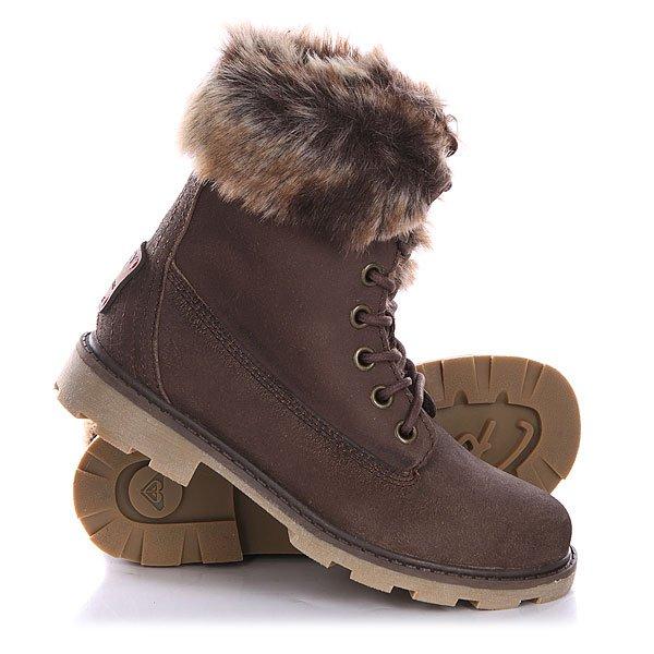 Ботинки зимние женские Roxy Timber J Boot BrownУтепленные искусственным мехом ботинки Roxy Timber – актуальный «маст-хэв» зимнего сезона.Характеристики: Верх из натуральной замши. Внутренняя отделка из искусственного меха.  Мягкая внутренняя стелька. Классическая круглая шнуровка с  металлическими люверсами. Гибкая подошва из терморезины с дополнительной прошивкой и невысоким каблуком. Фирменный логотип-нашивка на пятке.<br><br>Цвет: коричневый<br>Тип: Ботинки зимние<br>Возраст: Взрослый<br>Пол: Женский