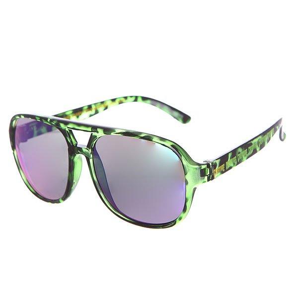 Очки Creature Cabanaz Green TortoiseДизайн очков возвращает нас к далекой классике 70х – будь в тренде.Характеристики:Фирменный логотип на дужке.Материал: пластик 100%. UVA/UVB фильтры для защиты от вредных излучений.<br><br>Цвет: зеленый,черный<br>Тип: Очки<br>Возраст: Взрослый<br>Пол: Мужской